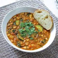Vegan Minestrone Soup – a Healthy Instant Pot Minestrone Soup Recipe